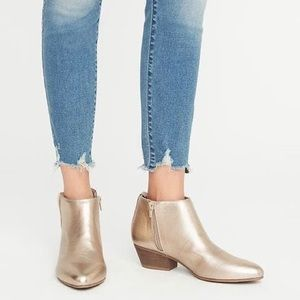 ✨ Metallic Gold Low Chelsea Ankle Boots - 10